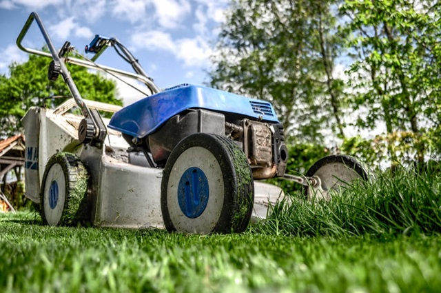 make money in college mowing lawns
