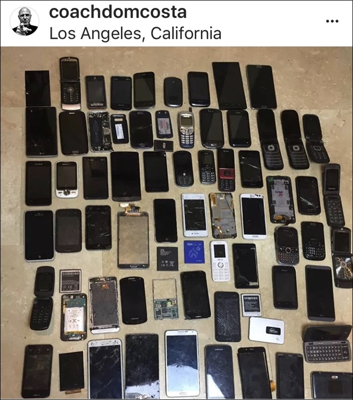 I found this pile of old cell phones in one unit and sold them on Ebay for $100. : sell storage unit  - Aquiesqueretaro.Com